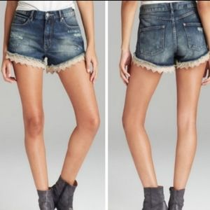Free People lace trimmed short shorts 27